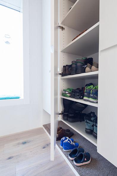 Schuhschrank Prazis In Garderobe Eingepasst Ammann Ag