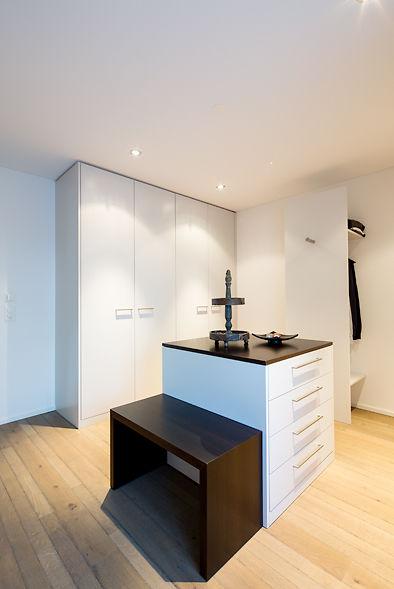 ankleide mit grossz gigen schr nken ammann ag. Black Bedroom Furniture Sets. Home Design Ideas