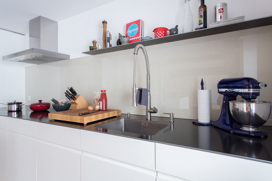 viel platz zum kochen ammann ag. Black Bedroom Furniture Sets. Home Design Ideas